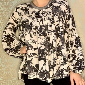 Oversized Floral Patterned Bell Sleeve Blouse